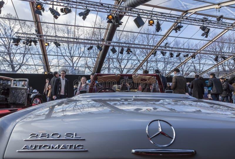 Begreppsbilarna utställning och bildesign - Paris 2018 royaltyfria bilder