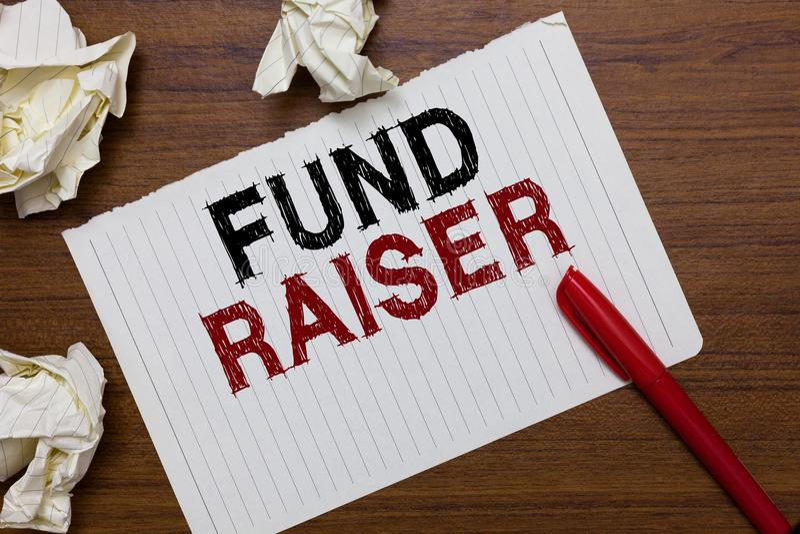 Begreppsmässig fond för handhandstilvisning - raiser Person för affärsfototext vars jobb eller uppgift är sökandeekonomisk hjälp  royaltyfria bilder