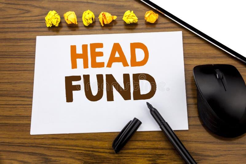 Begreppsmässig fond för huvud för visning för handhandstiltext Affärsidé för investeringfinansieringpengar som är skriftliga på k arkivfoto