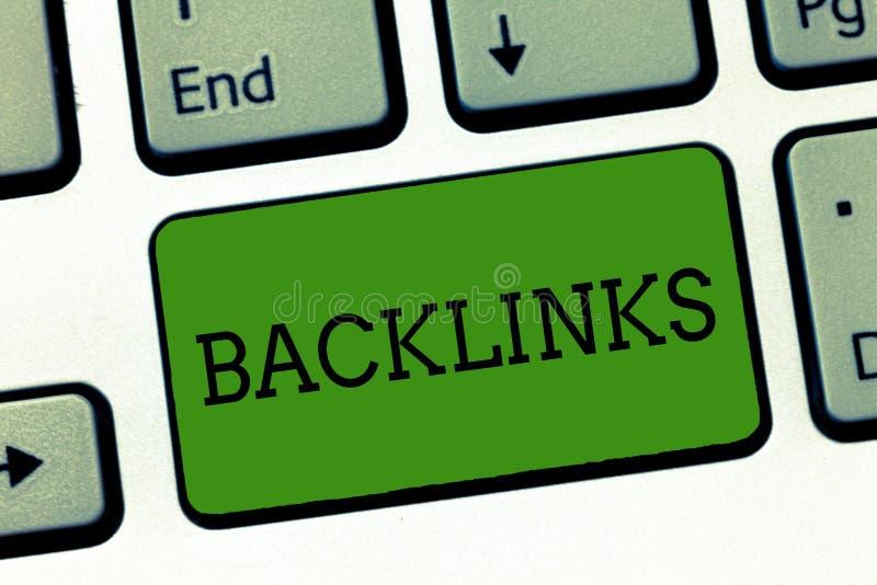 Begreppsmässig handhandstil som visar Backlinks Affärsfoto som ställer ut inkommande hyperlink från en webbsida till ett annat st vektor illustrationer