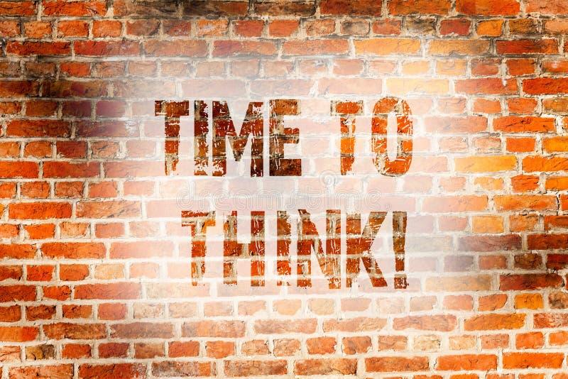 Begreppsmässig handhandstilvisning Tid som tänker Affärsfoto som ställer ut att tänka planera idéer som svarar frågor arkivbilder