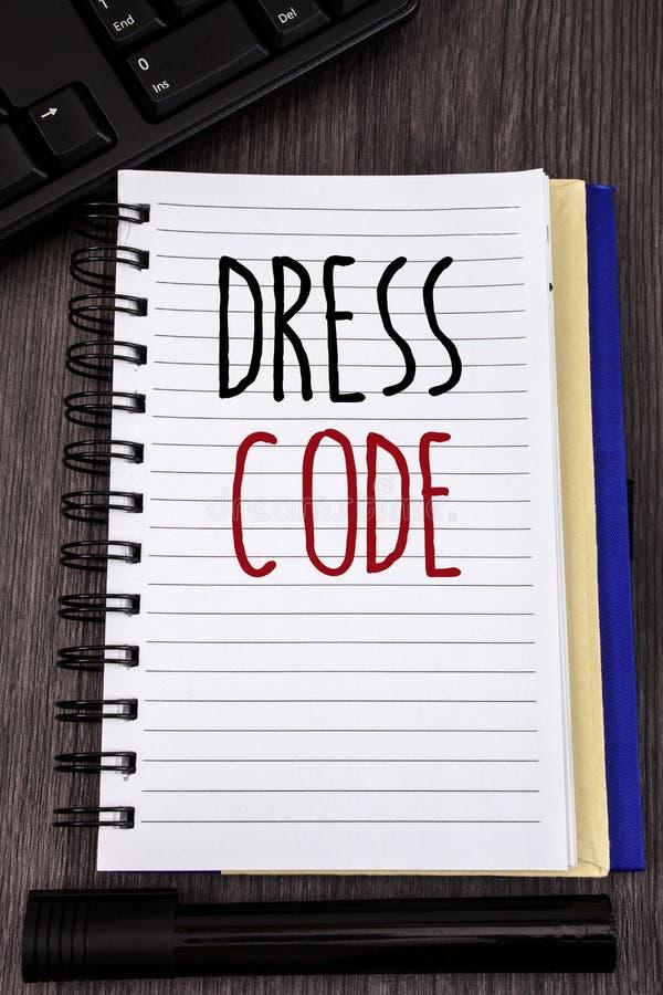 Begreppsmässig kod för klänning för handhandstilvisning Affärsfoto som ställer ut regler av vad du kan bära och inte till skolan  royaltyfria bilder