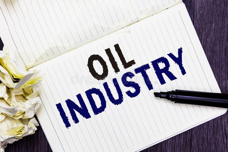 Begreppsmässig oljeindustri för handhandstilvisning Produkter för oljor för marknadsföring för förädling för extraktion för utfor fotografering för bildbyråer