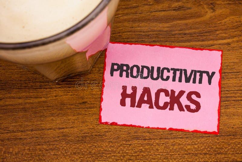 Begreppsmässiga hackor för produktivitet för handhandstilvisning Metoden för lösningen för dataintrånget för affärsfototext tippa royaltyfri bild