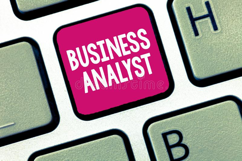 Begreppsmässigt Business för analytiker för affär för handhandstilvisning som foto ställer ut någon som analyserar stor organisat royaltyfri bild