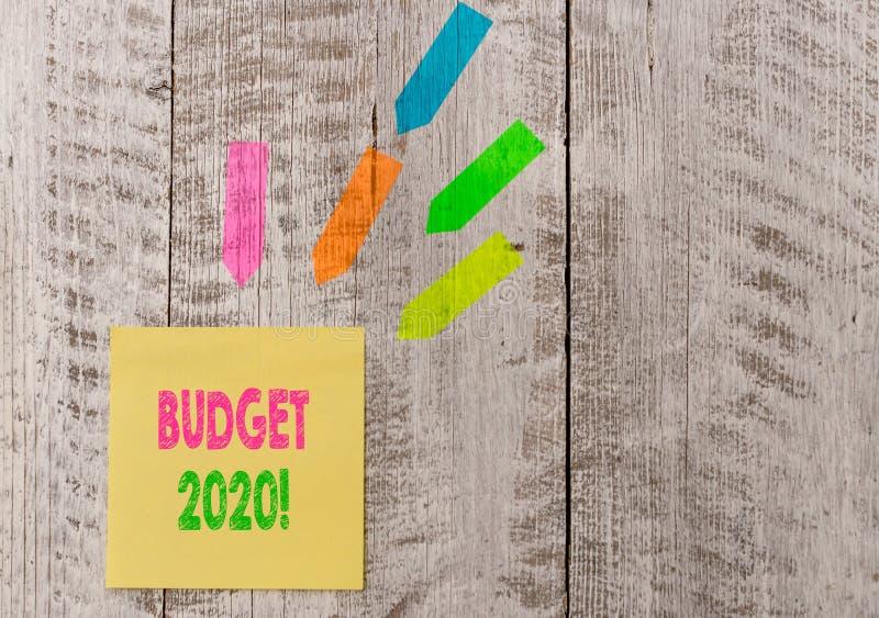 Begreppsm?ssig budget 2020 f?r handhandstilvisning Bed?mning f?r aff?rsfototext av inkomst och f?rbrukning f?r n?sta eller aktuel royaltyfria foton