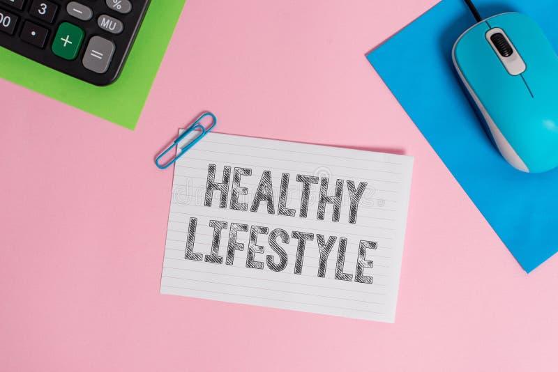 Begreppsm?ssig handhandstil som visar sund livsstil Aff?rsfoto som st?ller ut Live Healthy Engage i fysisk aktivitet royaltyfri bild