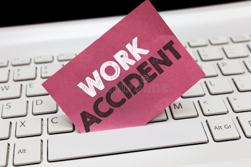 Begriffshandschrift, die Arbeits-Unfall zeigt Geschäftsfoto geschah Präsentationsfehler-Verletzung im verletzt werdenen Jobplatz stockbilder