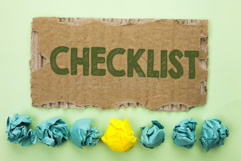 Begriffshandschrift, die Checklisten-Geschäftsfototext Todolist-Listen-Plan auserlesenes Berichts-Feedback-Daten-Fragebogen writt stockfoto