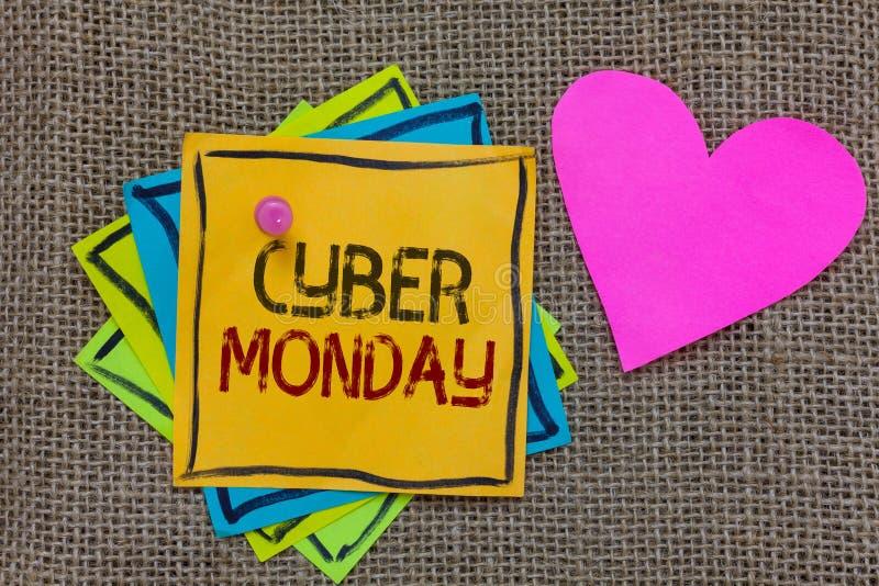 Begriffshandschrift, die Cyber Montag zeigt Geschäftsfoto-Text Marketingbegriff für Montag nach Erntedankfest in den US P stockfotos