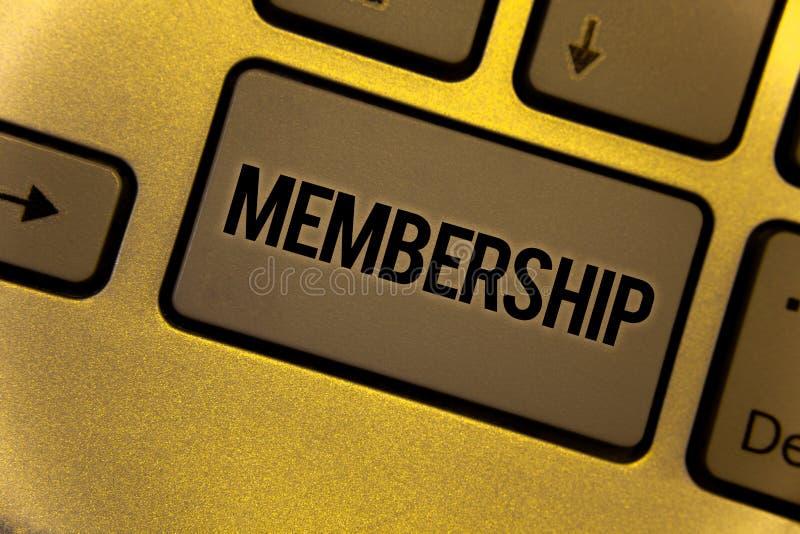 Begriffshandschrift, die Mitgliedschaft zeigt Die Geschäftsfotos, die seiend Mitgliedsteil einer Gruppe oder Team zur Schau stell stockfoto