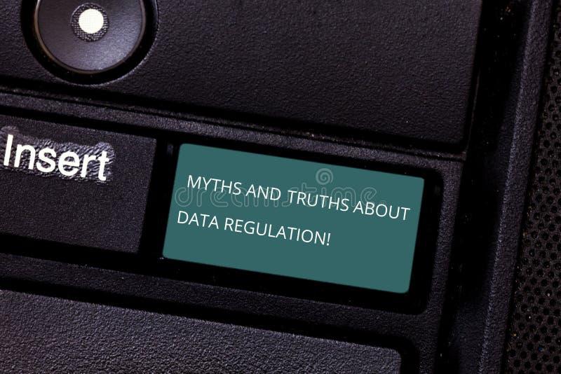 Begriffshandschrift, die Mythen und Wahrheiten über Daten-Regelung zeigt Geschäftsfoto Präsentationsmedieninformationsschutz lizenzfreie stockfotos