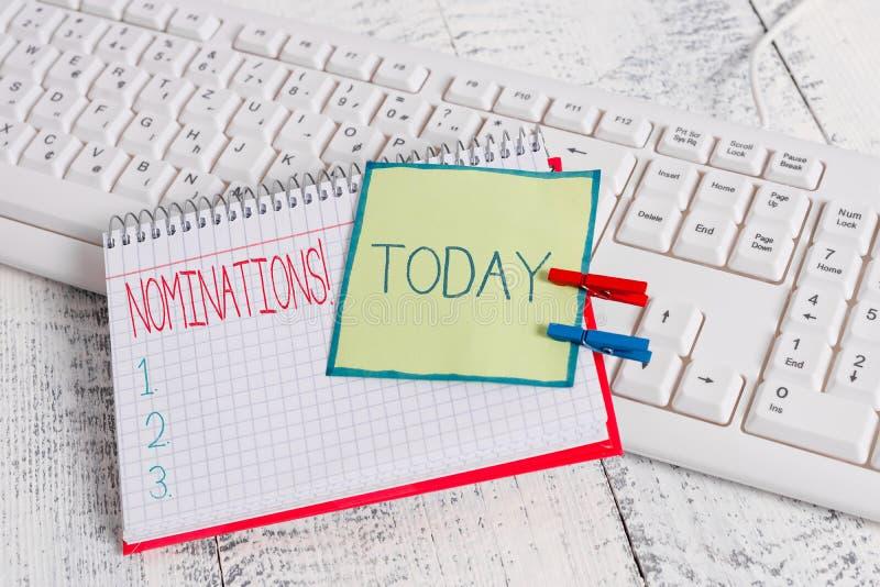 Begriffshandschrift, die Nominierungen zeigt Gesch?ftsfoto-Textaktion der Ernennung oder des Zustandes, die f?r Preis ernannt wer lizenzfreie stockbilder