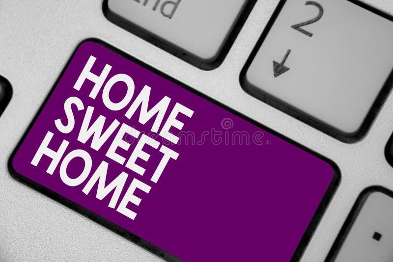 Begriffshandschrift, die süßes Haupthaus zeigt Das Geschäftsfoto, das in Haus schließlich Wohlbehagen zur Schau stellt, entspannt lizenzfreie stockfotos