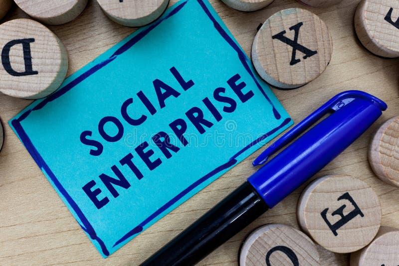 Begriffshandschrift, die Sozialunternehmen zeigt Geschäftsfoto-Text Geschäft, das Geld auf eine sozial verantwortliche Art verdie stockfotos