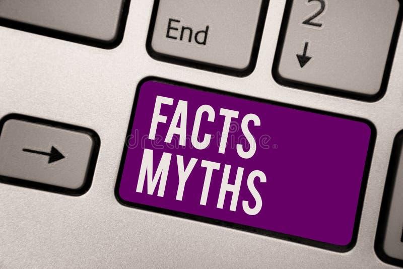 Begriffshandschrift, die Tatsachen-Mythen zeigt Die Präsentationsarbeit des Geschäftsfotos, die auf Fantasie eher als auf wirklic lizenzfreies stockfoto