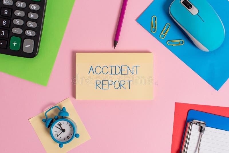 Begriffshandschrift, die Unfallbericht zeigt Geschäftsfototext eine Form, die ergänzte Rekorddetails von ist stockfotografie