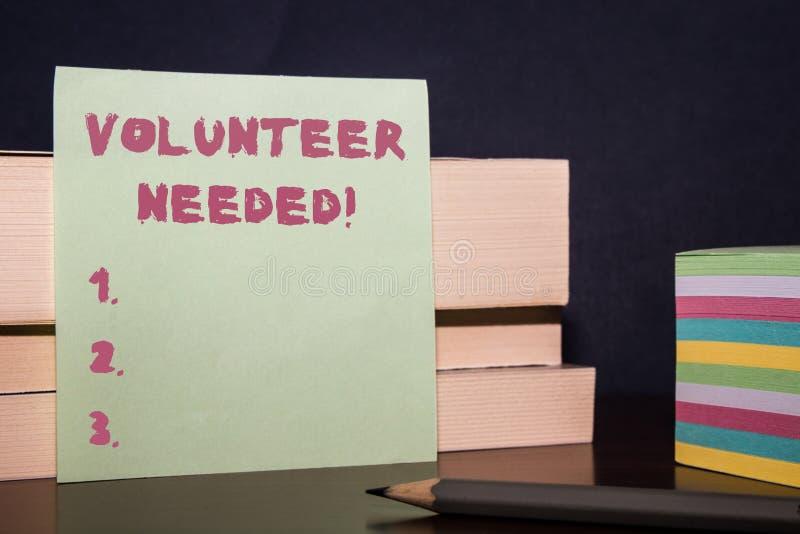 Begriffshandschriftvertretung Freiwilliger brauchte Pr?sentationsbedarfsarbeit des Gesch?ftsfotos f?r Organisation ohne zu sein lizenzfreies stockfoto