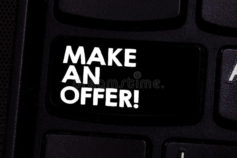 Begriffshandschriftvertretung machen ein Angebot Geschäftsfoto-Text Antrag holen oben Freiwilligen vorzubringen schenken Angebot  stockfoto