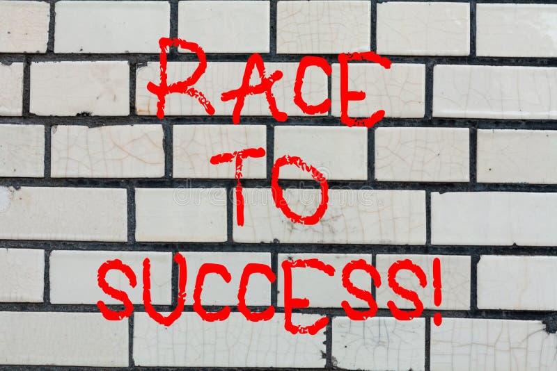 Begriffshandschriftvertretung Rennen zum Erfolg Geschäftsfoto-Text Wettbewerb für die gute Entwicklung erfolgreich stockbilder