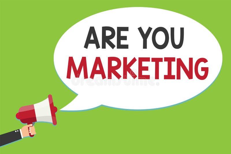 Begriffshandschriftvertretung sind Sie Marketing Geschäftsfoto-Text Aktionen, zum von Markenprodukt Verkäufen im Markt zu fördern lizenzfreie abbildung