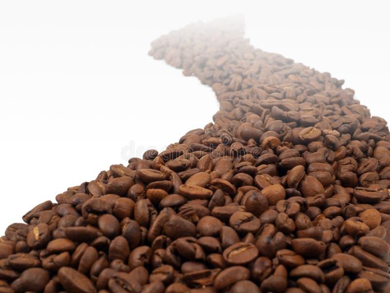 Begriffsstraße hergestellt von den Kaffeebohnen stockfotografie