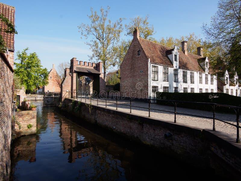 Beguinage a Bruges, Belgio fotografie stock libere da diritti