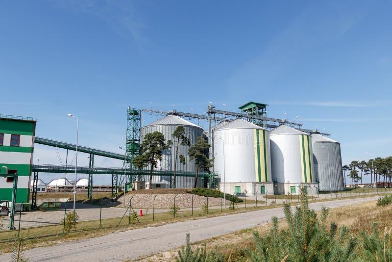 Behälter des biologischen Brennstoffes stockbilder