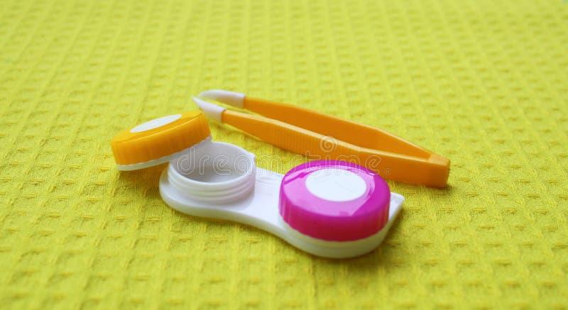 Behälter für Kontaktlinsen stockbild
