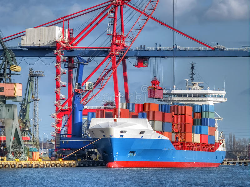 Behälter-Frachtschiff lizenzfreies stockbild