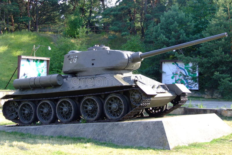 Behållare för sovjet T-34 arkivbilder