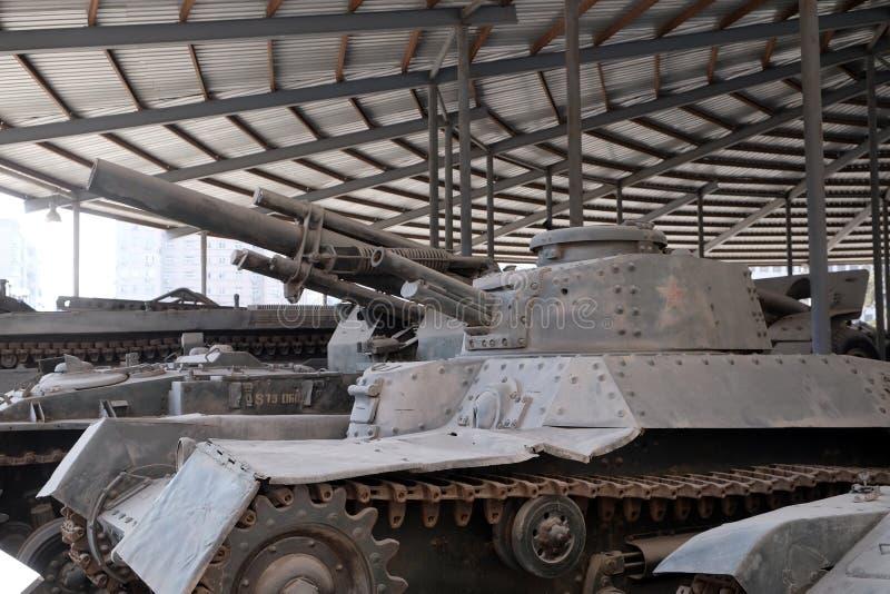 Behållare i det militära museet av revolutionen för ` s för kinesiskt folk i Peking arkivbilder