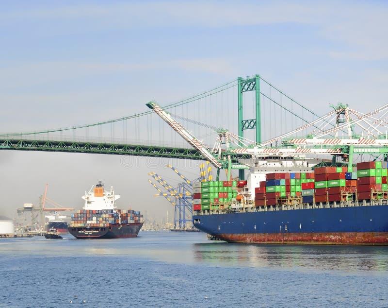 Behållareskepp, port av Los Angeles royaltyfri bild