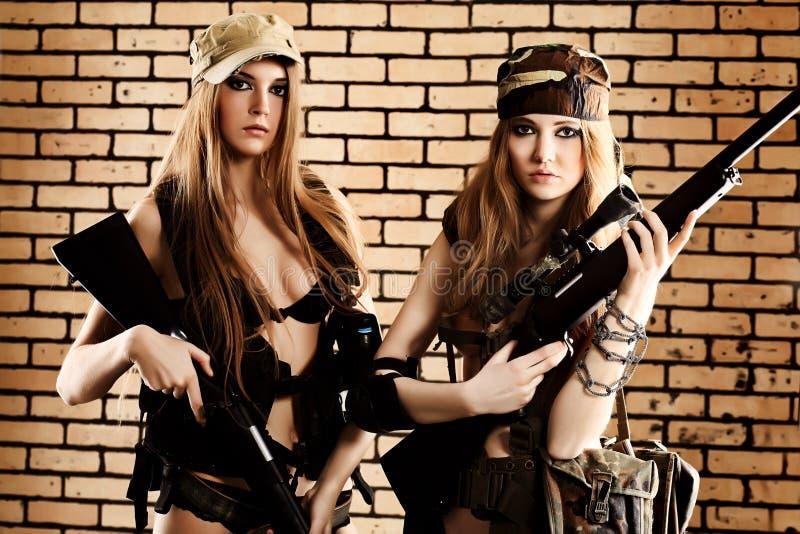 behagfulla soldater arkivfoto