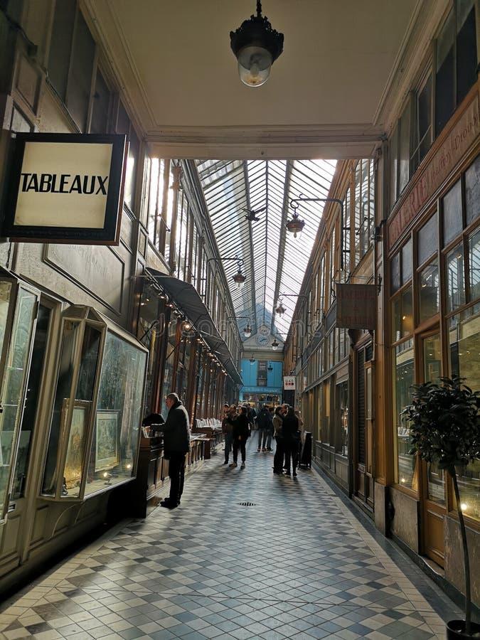 Behandelde passages van Parijs, Frankrijk Passage Jouffroy stock foto's