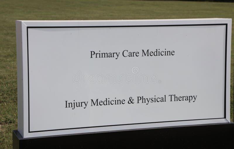 Behandeln Sie ` s Büro von Arzt für Allgemeinmedizin lizenzfreie stockfotos