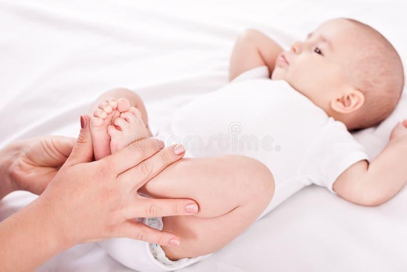 Behandla som ett barn övning royaltyfri bild