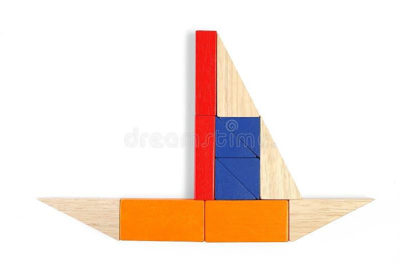 Download Behandla Som Ett Barn Block Figure Yachten Arkivfoto - Bild av barndom, kryssning: 512646