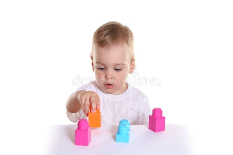 Download Behandla Som Ett Barn Blocktoyen Arkivfoto - Bild av hög, idérikt: 995226