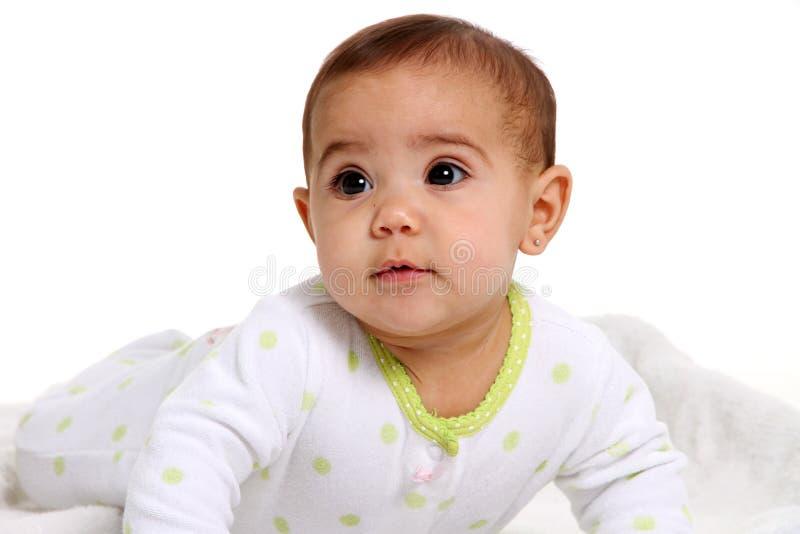 behandla som ett barn den lyckliga flickan arkivfoton