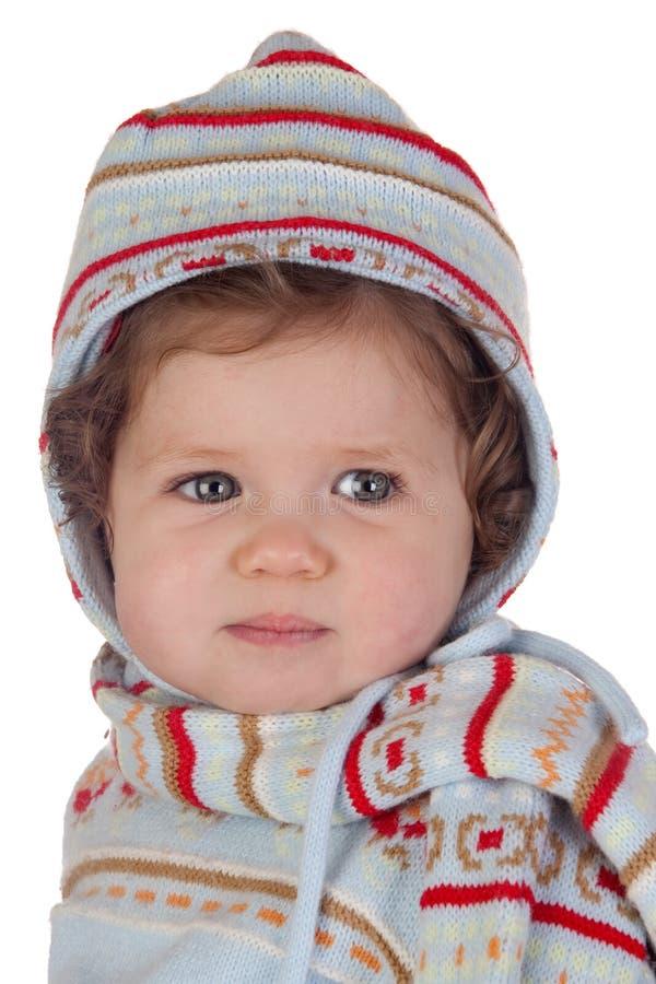 behandla som ett barn den roliga flickavintern för kläder royaltyfri fotografi