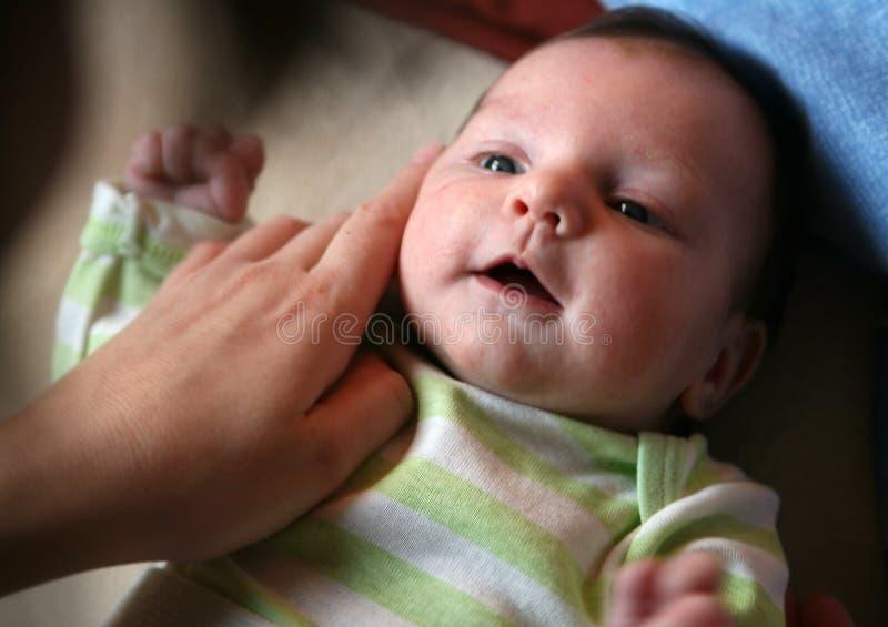 behandla som ett barn fött nytt arkivbild