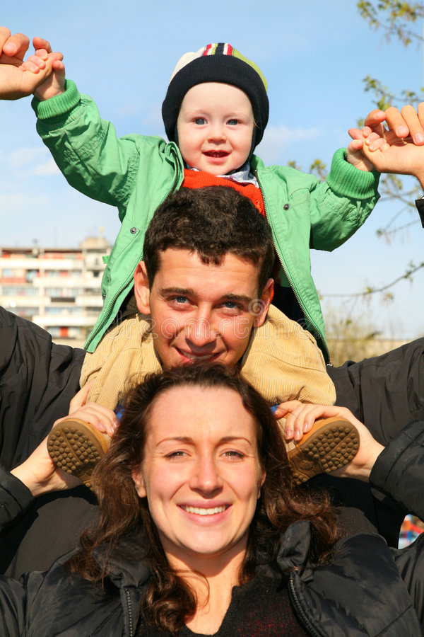 behandla som ett barn familjen royaltyfri fotografi