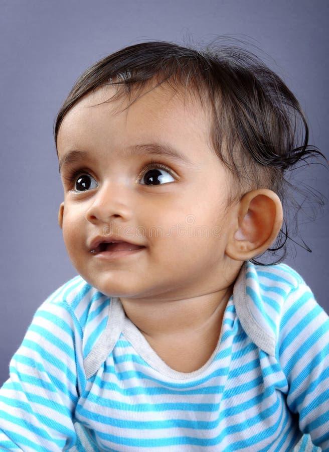 behandla som ett barn indier royaltyfri fotografi