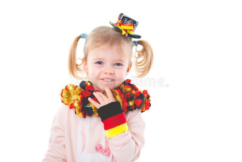 Behandla som ett barn jubel för det tyska fotbolllaget royaltyfri foto
