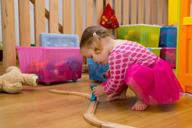 behandla som ett barn leka toys royaltyfria foton