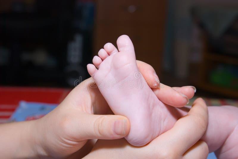 behandla som ett barn massagen royaltyfria foton