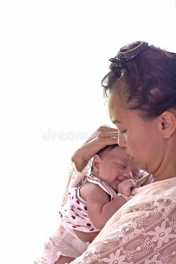 behandla som ett barn pojken little som är nyfödd royaltyfria bilder