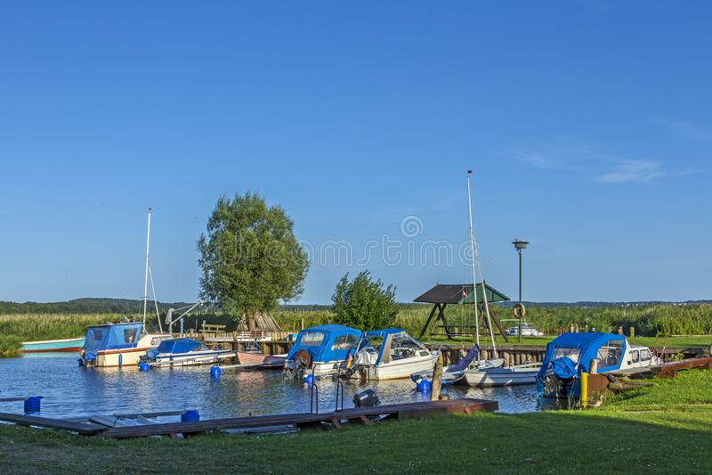 Beherbergten Sie am Stauwasser in Zempin in der Insel von Usedom stockfoto
