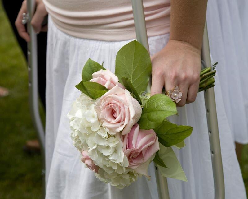 Behinderte Brautjunfer lizenzfreie stockbilder